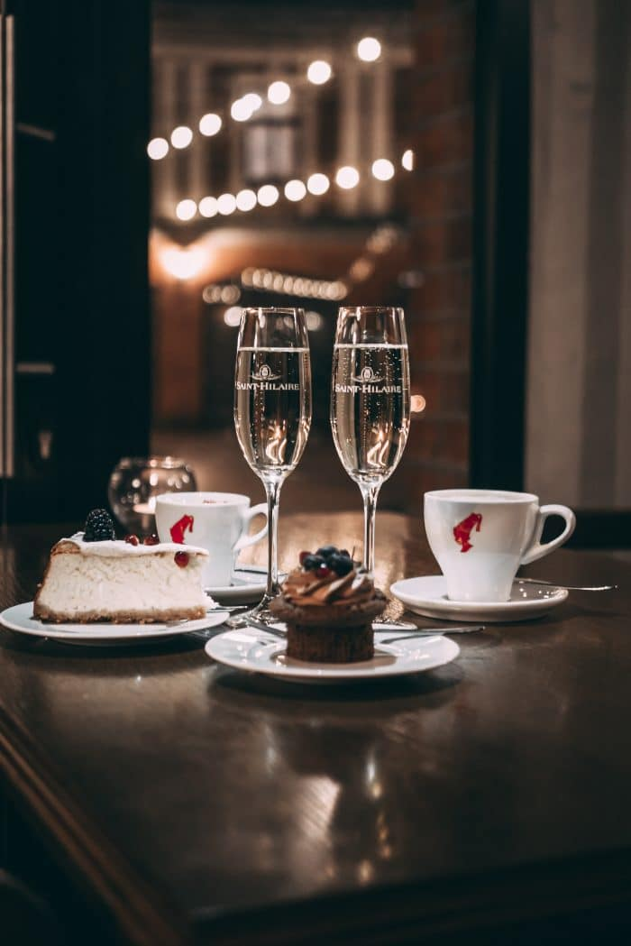champagne and dessert